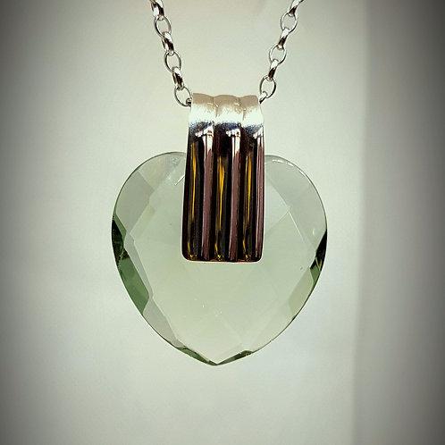 Anhänger, Herz aus fascettieretem lichtgrünen Obsidian