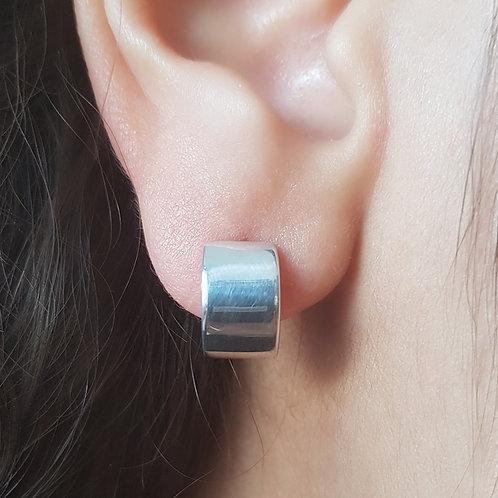 breite kleine Silbercreole