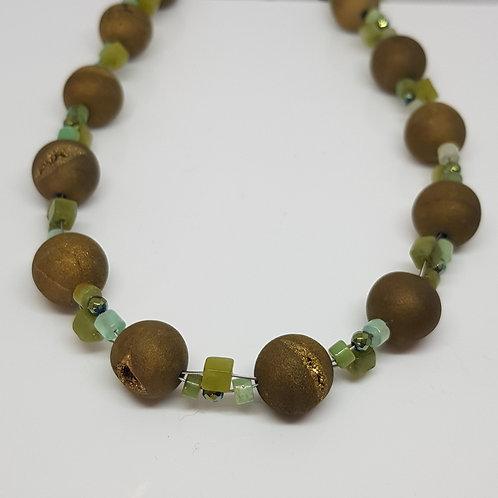 Collier aus grünem Achat mit Jade und Chrysopras