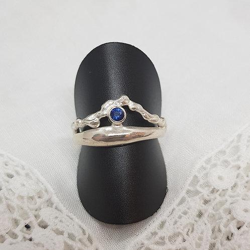 Feiner Silberring mit Safir, eigene Fertigung