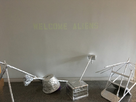 Welcome Aliens (with the lights off)