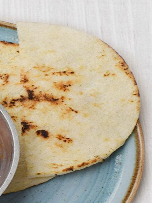 Arepa blanca con mantequilla