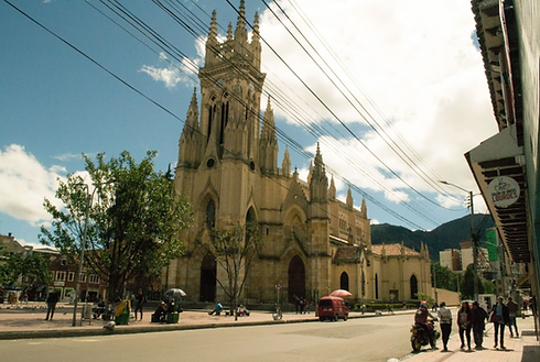 Restaurante frente a Lourdes