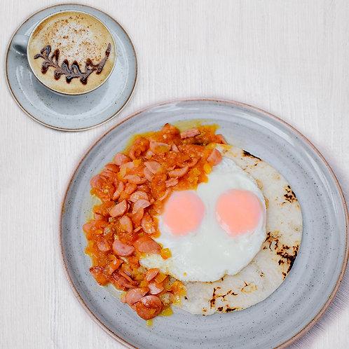 Combo huevos y salchicha