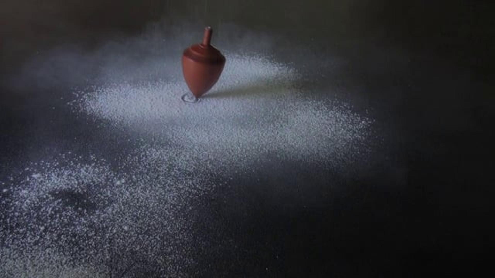 Denise Batchelor - stills from Oscillate (2013), HD Video; 03:27.  Courtesy of the artist.