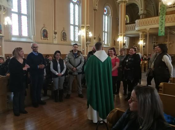 Les catéchètes qui s'occupent des confirmands des deux paroisses.
