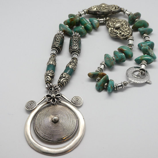 TD324 Turquoise, silver necklace with rare Chinese Xiongnu pendant