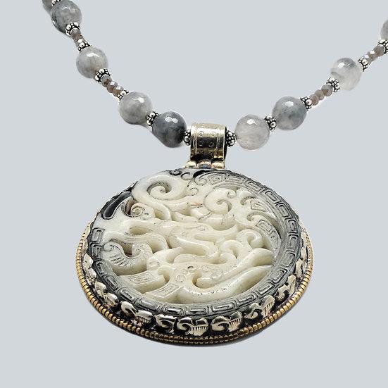 AF346 Carved dragon pendant with gray quartz necklace