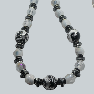 CD289 Polka dot crystal necklace with carved black dragon onyx balls