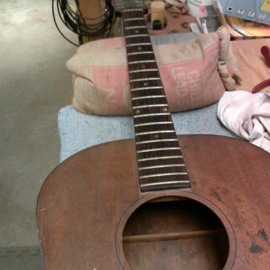 Gibson B25 repair