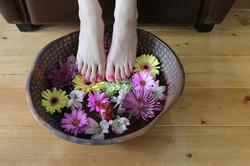 daisy pedicure.jpg