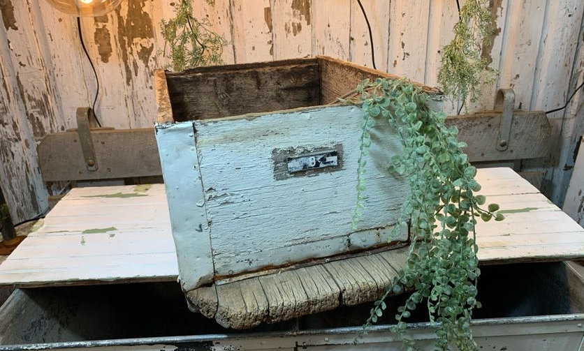 Vintage White Wood Bee Keeper Crate