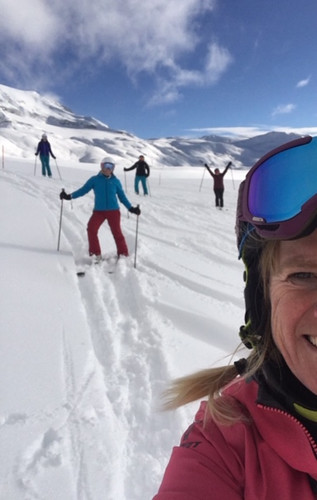 cervinia selfie with group.jpg