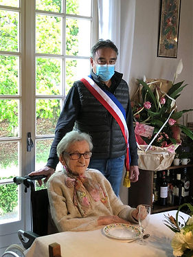 Photo 100 ans Denise Grse.JPG