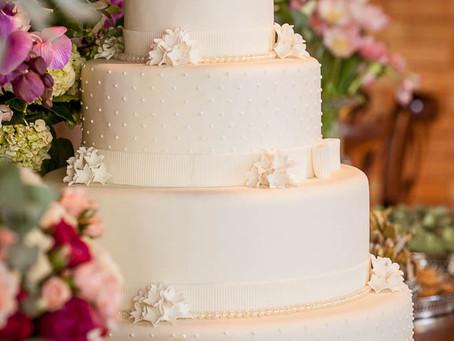 Como escolher o bolo de casamento perfeito!