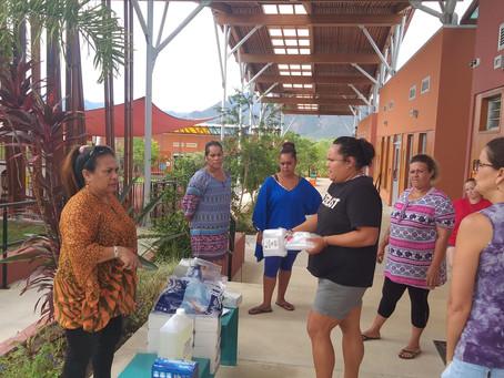 Distribution de matériel d'hygiène dans les écoles de la commune