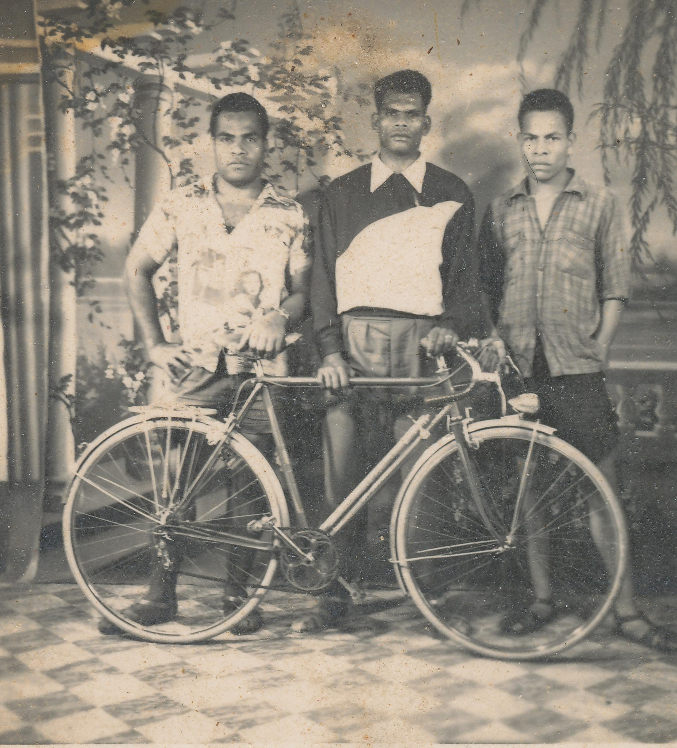 Famille Tein-bai
