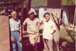 Edouard_Bonnenfant,_Charley_Weiss,_Le_père_yvon_en_avril_1975