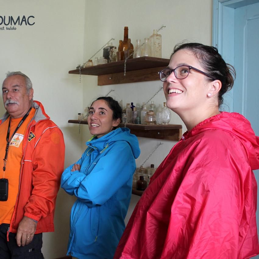 Visite du vieux village de Tiebaghi avec l'Association ASPMHNC