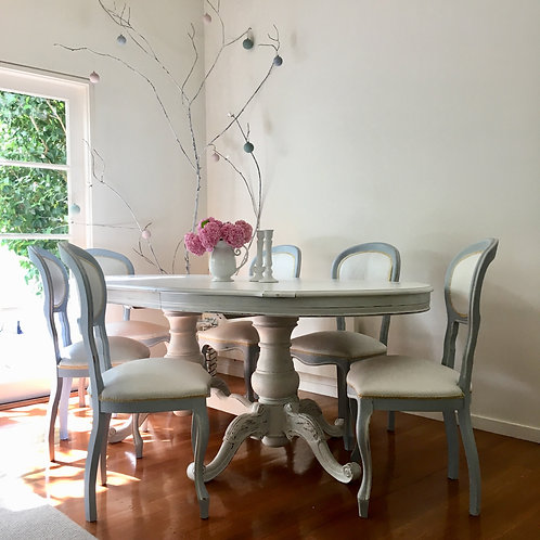 ###SOLD### Aspen Dining Table and Chairs