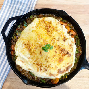 Shepherd's Pie with Gouda & Garlic Mash