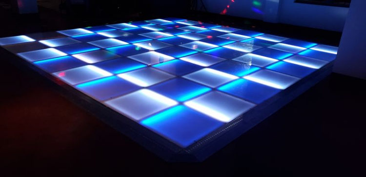 led-glow-dancefloor_103634069_big.jpg