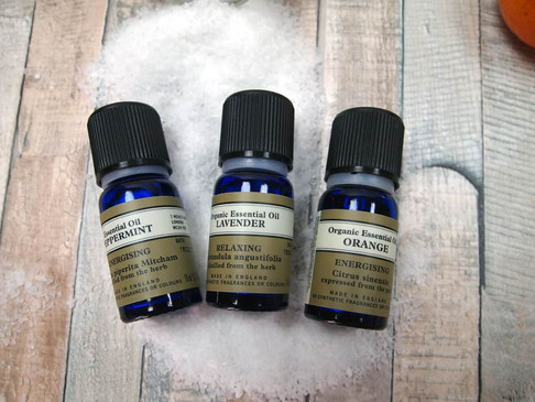 5 Must Have Essential Oils For Aromatherapy
