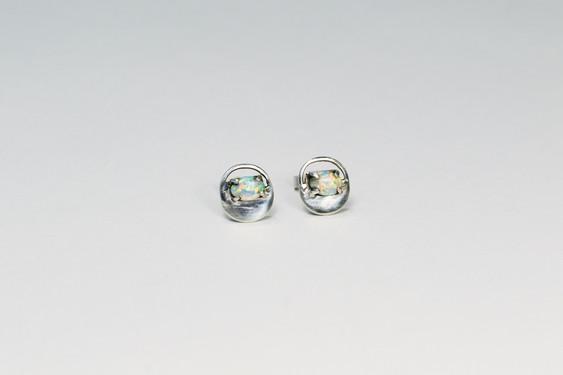 Veri Stud Earrings