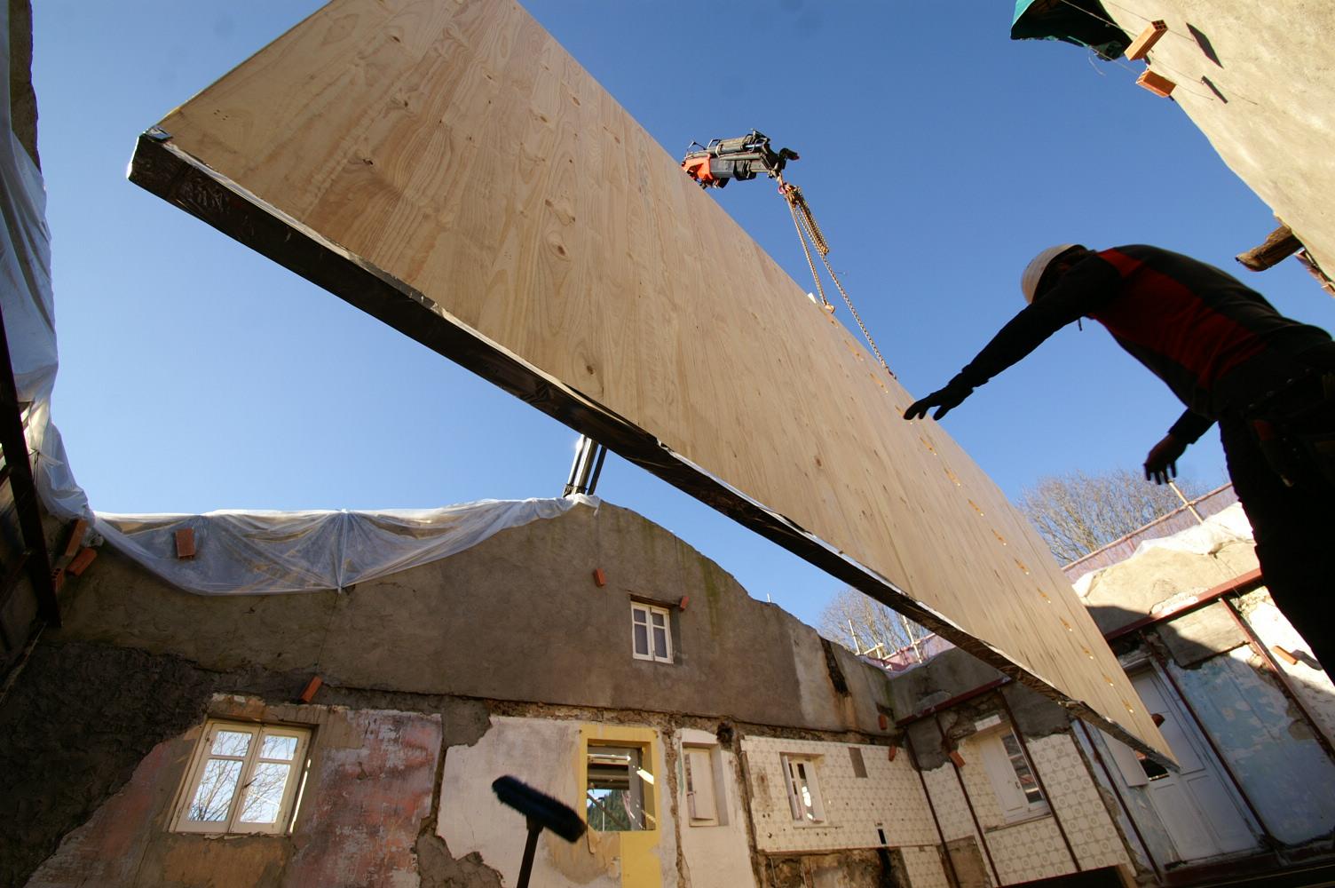 Paneles CLT de madera local