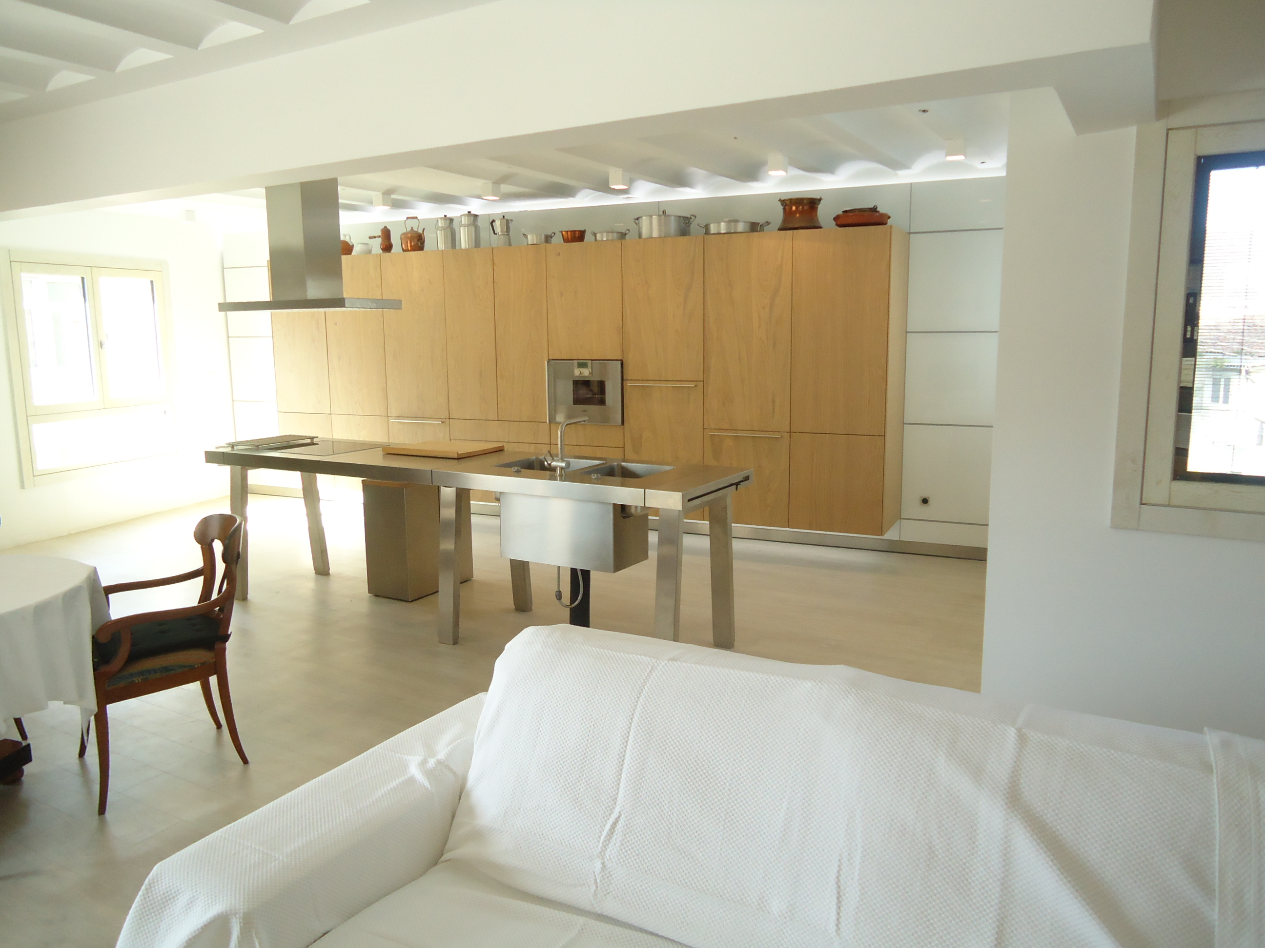 Hall-cocina-salón-comedor abierto
