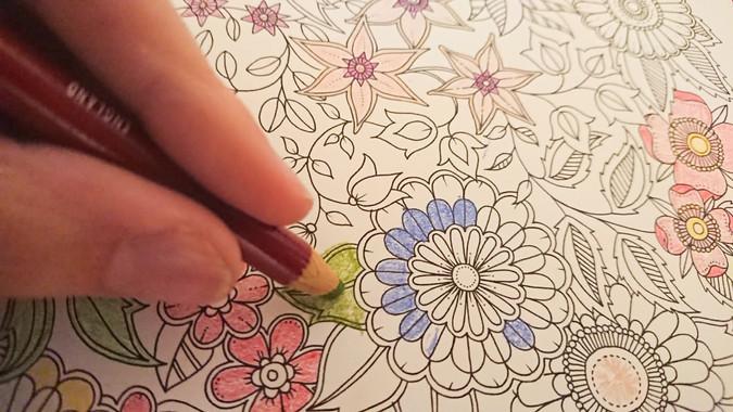 Izklop! Malo meditacije po napornem dnevu. Barvanje vzorcev.  Switching off! A little meditation after a strenuous day. Colouring patterns.