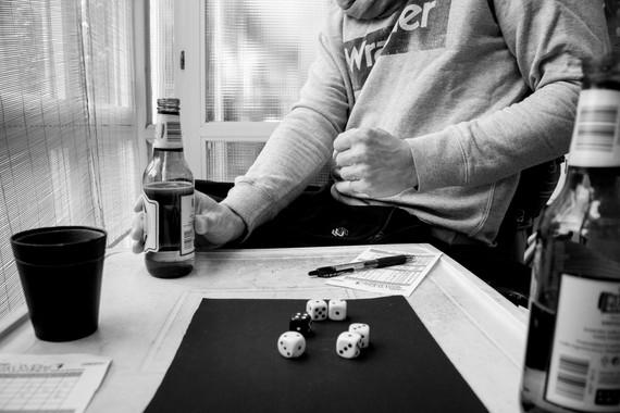 Deževna sobota, Jambi in pivo.  A rainy Saturday, Yahtzee and Beer.