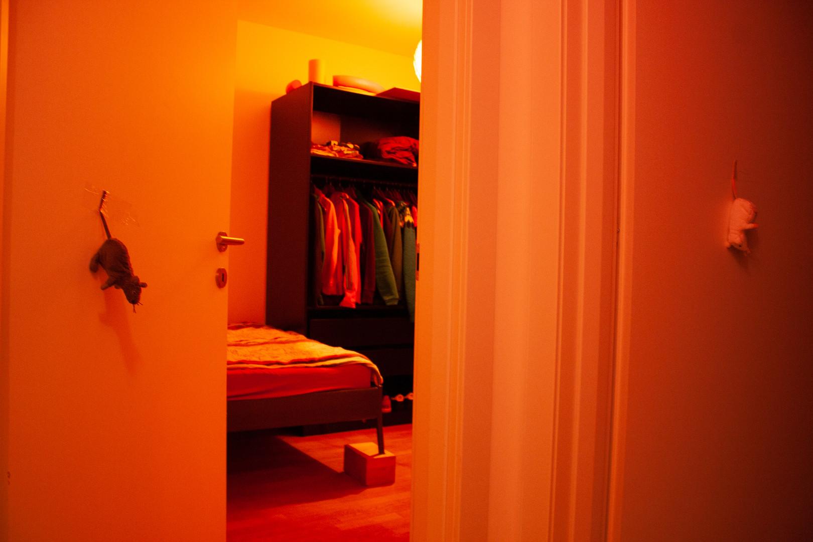 postelja ... ura je 3, priznam, malo sem že utrujena. Lahko noč!  Bed ... it's 3 am, I'll admit I'm a bit tired. Good night!