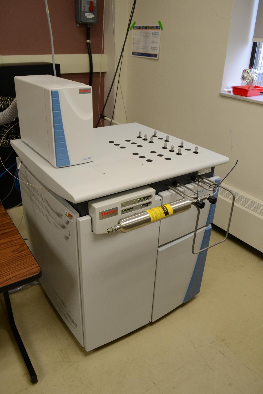 Delta V Plus Mass Spectrometer
