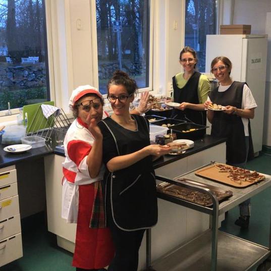 mamma in cucina Norvegia prima dello spe