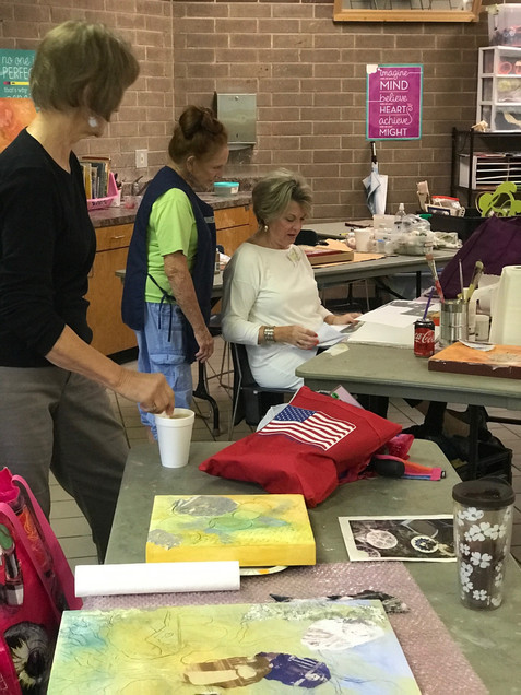 Photo Gallery of Patricia Steele Raible's Workshop  - Building a Painting