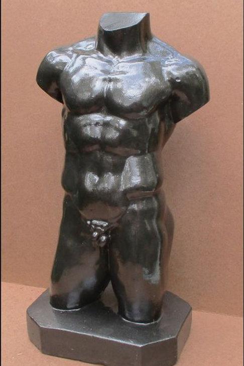 Male torso in large format Solid plaster