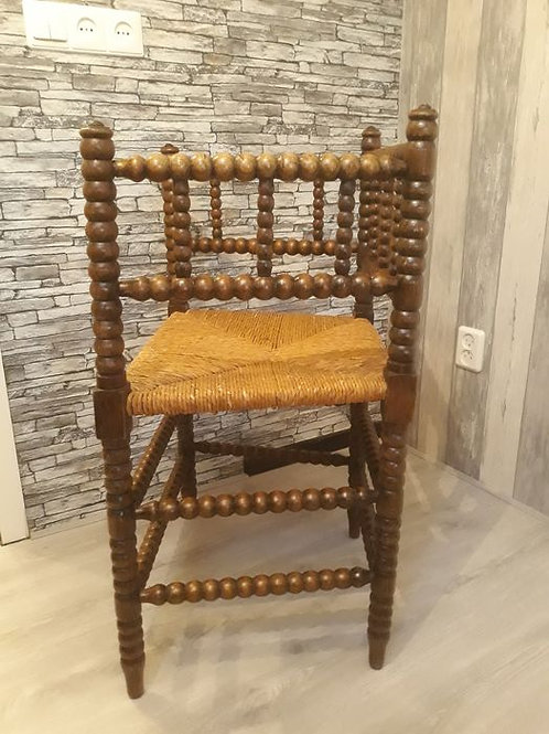 An oak wooden Bobbin turned chair