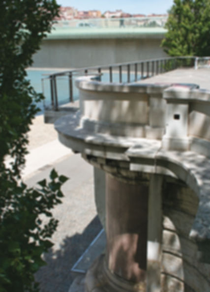 Ancienne pile du pont Morand