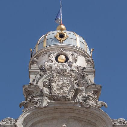 Beffroi de l'Hôtel-de-Ville de Lyon avec les allégories du Rhône et de la Saône