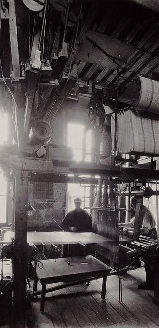 Métier à tisser Jacquard, photographie du début du XXe siècle