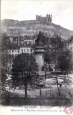 Fourvière et le monument à la Gloire de la République place Carnot Visite guidée Lyon