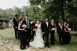 great group shot with the bouquets