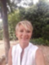Marie Laure Marcel, thérapeute sur Apt, spécialisée en thérapies brèves et hypnose vous amène des solutions pour votre transformation