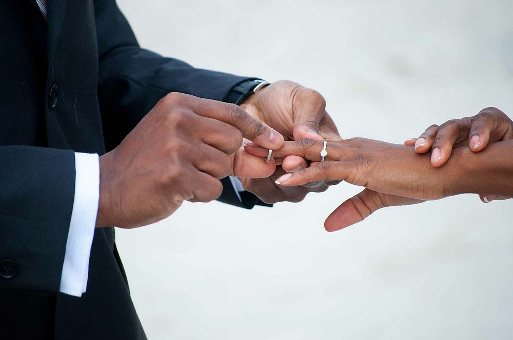 Weena Cullins 5 Unchecked Infidelities That Can Lead to an Affair