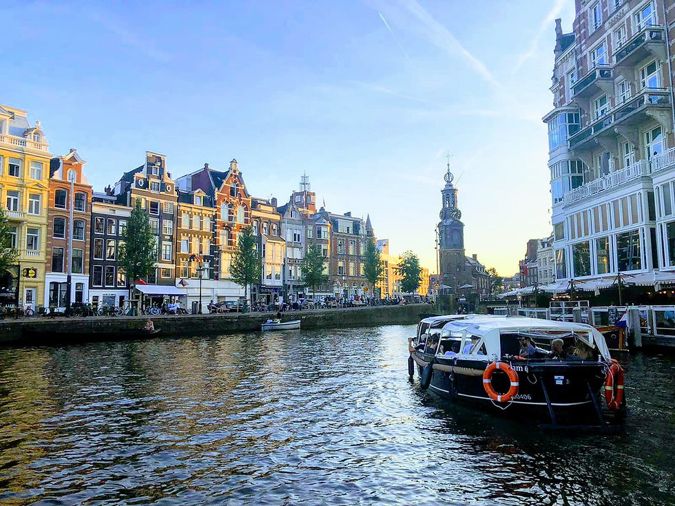 canal amsterdam.jpg