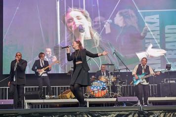 Sophie Becker auf dem Ruderfest Frankfurt, live