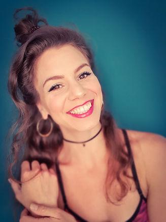 Sophie Becker, Sängerin aus Frankfurt, Hessen. Ich singe Events wie Hochzeiten, Gala, Messe. Solo, im Ensemble oder mit Coverband.