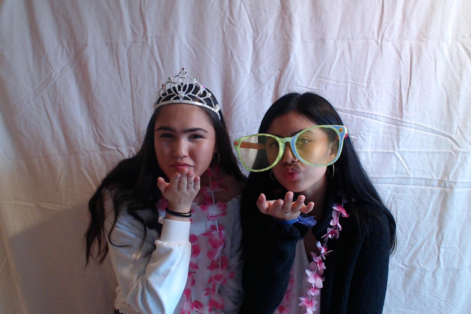 Michelle and Sophia 14th birthday003-2018-03-10singles