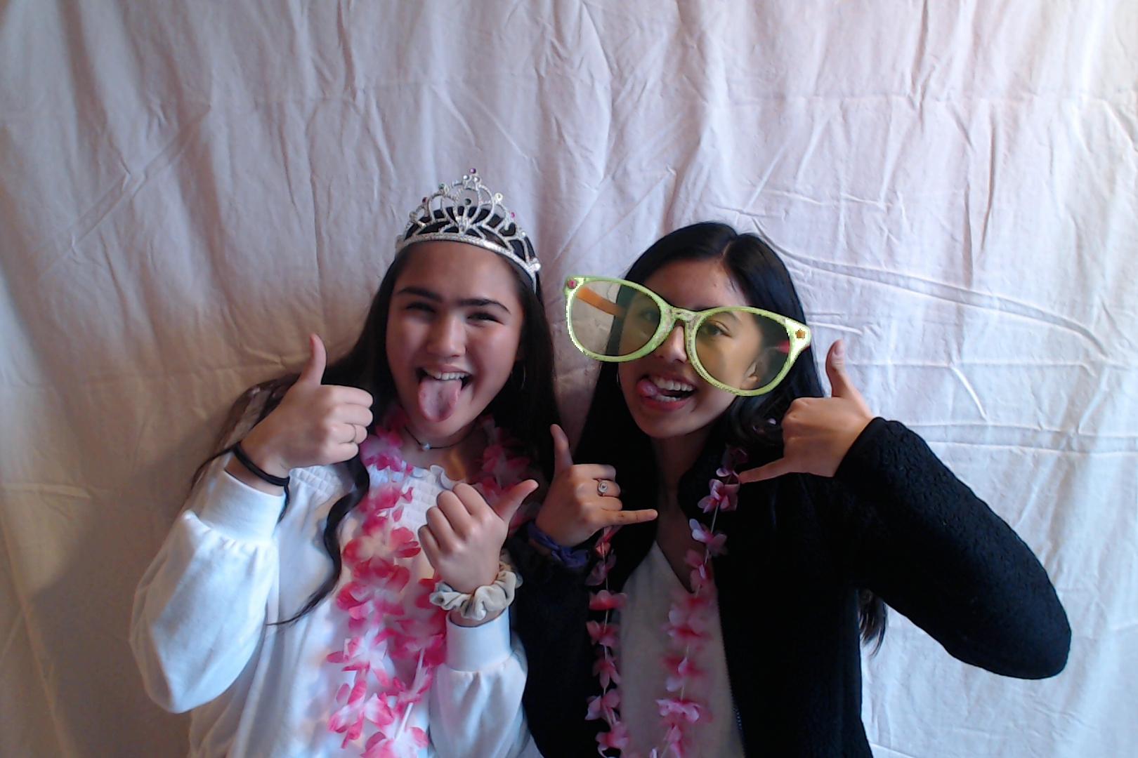 Michelle and Sophia 14th birthday004-2018-03-10singles